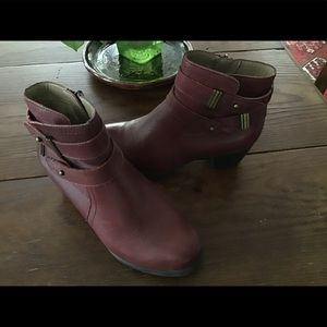 Naturalizer  leather booties